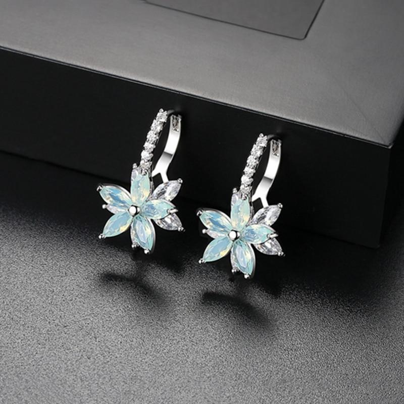 MISANANRYNE 2019 Cute Romantic Lovely Clear Stone Flower Shape Convenient Simple Copper Zirconia  Earrings For Women