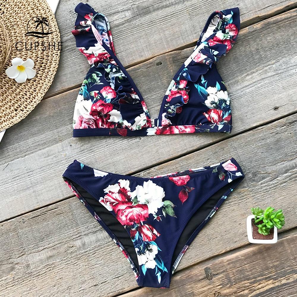 7ff3cf737 CUPSHE Ruffled Floral Imprimir Bikini Define Mulheres Sexy Calcinha Fio  Dental Duas Peças Maiôs 2019 Menina Bonito Trajes de Banho Swimwear
