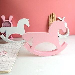 Image 2 - חדש עץ סוס צעצועי תינוק חדר תפאורה נורדי סגנון לחדר ילדים מתנות לילדים יום הולדת סקנדינבי דקור