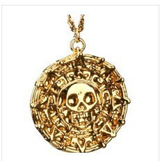 Cool Hot Selling Pirates of The Caribbean Aztec Gold or Antique Gold Skull Pendant Necklace Exaggerated Jewelry Vintage Necklace