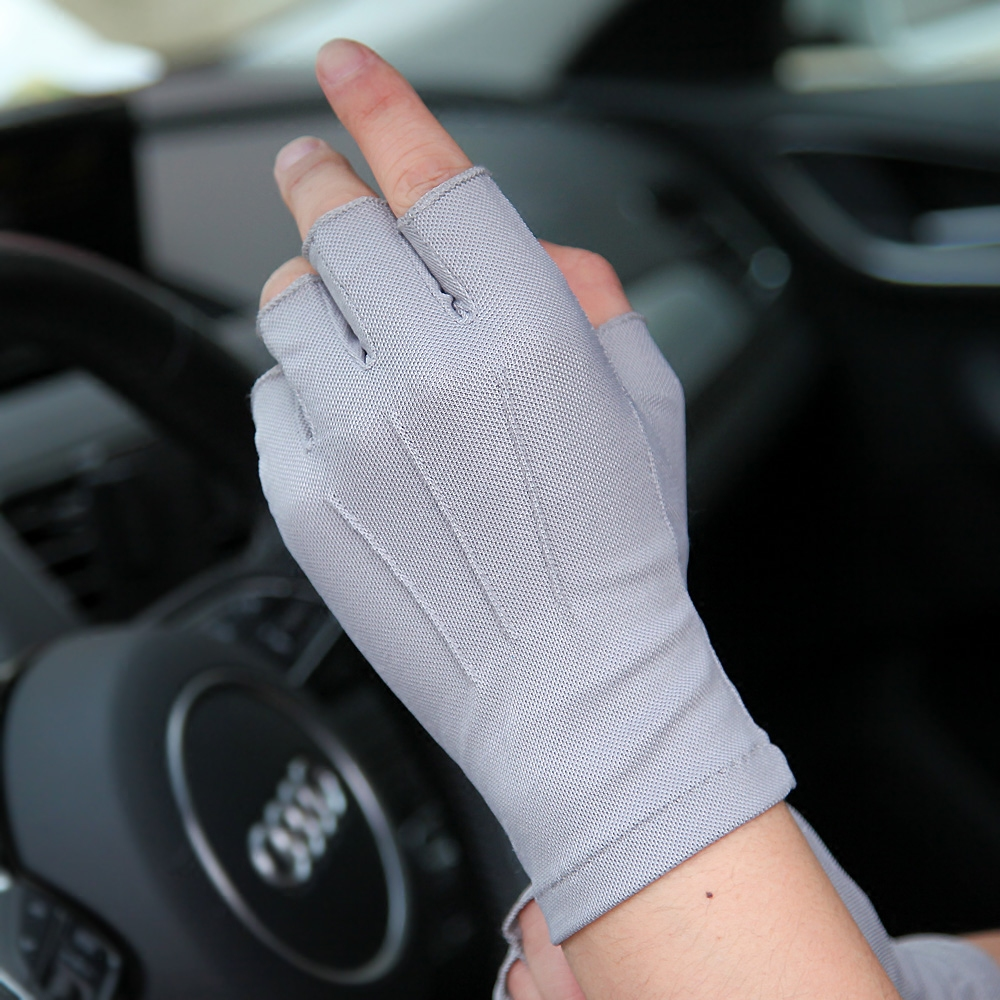 2020 Latest Spring Summer Sunscreen Gloves Male Half Finger Thin Non-Slip Driving Semi-Finger Fingerless Man's Mittens SZ009W-4