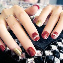 1f89fc1242ee3 Damen Neue Pre-design Gefälschte Nägel Elegante Full Cover Nail art Tips  Mit Kleber Mädchen Mode Rot Gold Farbe glitter Falsche .