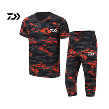 2018 New daiwa Men Fishing Clothes Short Sleeve Man Breathable Leisure Summer T-shirt Pant Outdoor Hiking Set