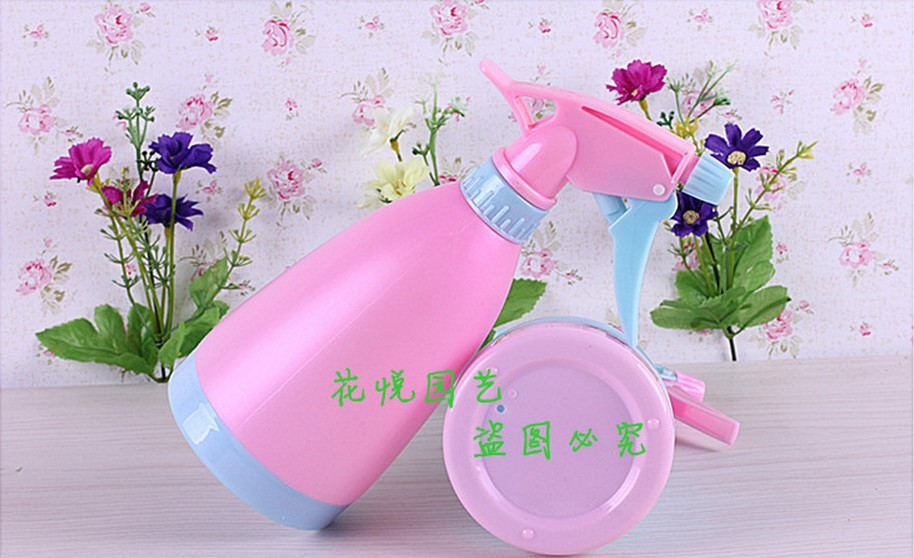Promotion sale 500ML Hand pressure type Watering & Irrigation Water Cans Watering pot Free Shipping