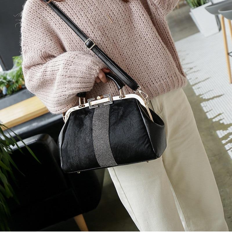 women handbag black (2)