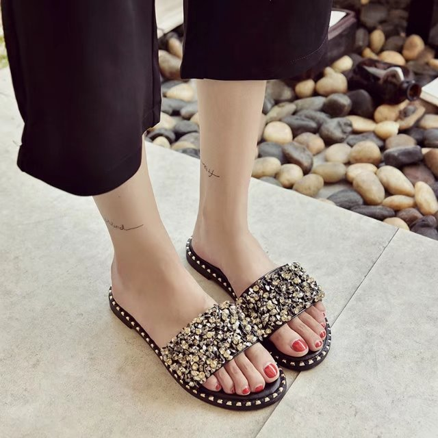 HIZCINTH Flip Flops 2018 Summer Woman Slipper Handmade Beads Flats Slippers Female Cool Beach Shoes Casual Sandals Shoes Woman swonco women s slippers half shoes candy color breathable female slipper 2018 woman slippers summer sandals ladies beach shoes