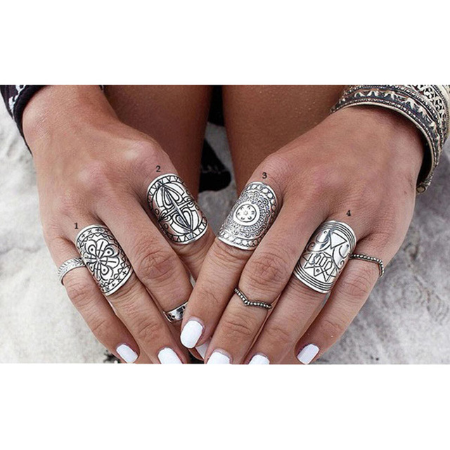 4PCS/Set Hot Sale Bohemia Vintage Rings Set Ethnic Carving Tibetan Antique Silver Plated Ring Set for Women Boho Beach Jewelry