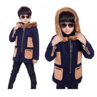 Trẻ em mới khoác mùa đông trẻ em boy áo len dày trẻ em giày nhung outwear chắp vá Jacket Với Fur cổ áo cậu bé quần áo bán l