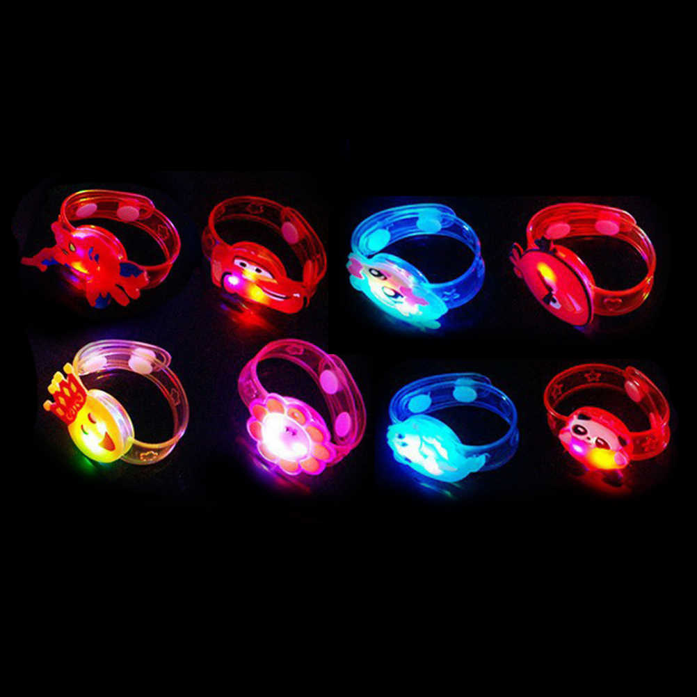 สีสัน LED นาฬิกาของเล่นเด็กผู้หญิงแฟลชสายรัดข้อมือเรืองแสงส่องสว่าง 1pcs การ์ตูน LED Night Light Xmas PARTY ตกแต่ง