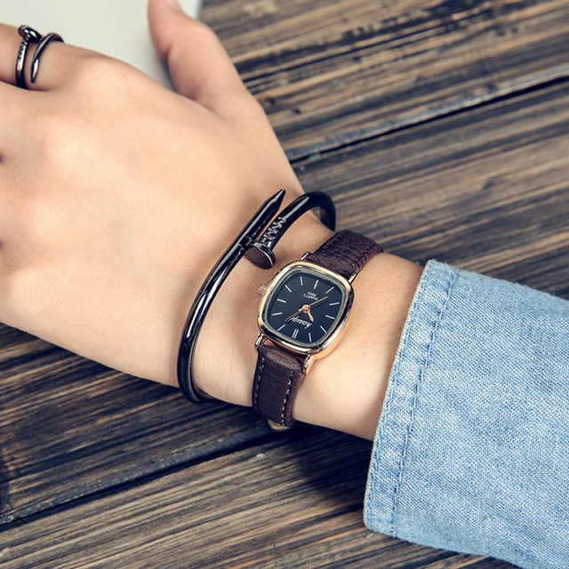 2018 Top Brand Women Watches fashion Quartz watch for Ladies leather band brown