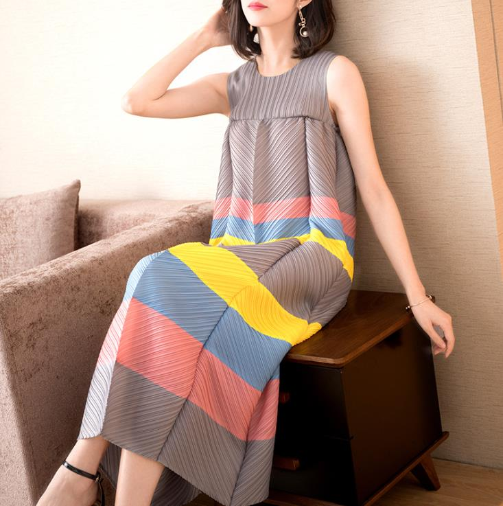 Plus-size printed dress with fashionable stripes  Summer's new women's long, loose a-line dress free shipping
