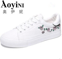 Women Shoes 2018 New White Canvas Shoes Female Spring And Summer White Casual Shoes Woman Students
