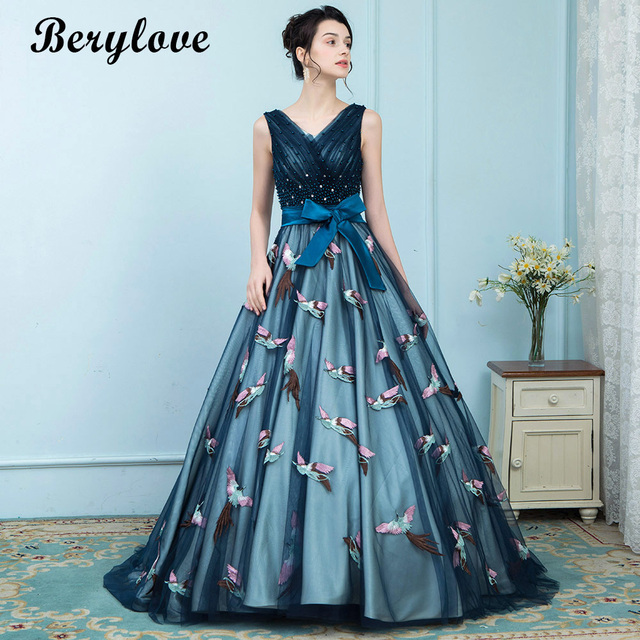 BeryLove Elegant Blue Evening Dresses 2018 Lace Up V Neck Beaded Appliques Evening  Gowns Long Prom Dresses China Robe De Soire d23400e23fb4