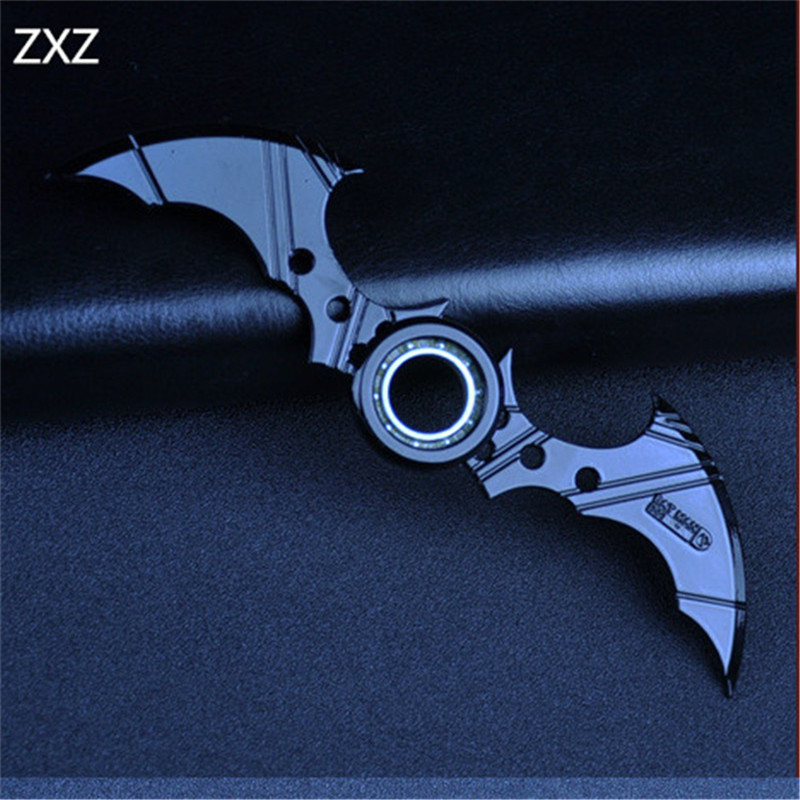 16CM NECA Cartoon Comics Super hero Batman Weapon Boomerang Arkham Knight Batarang Replica Action Figure Collectible Model Toy neca dc comics batman arkham knight batarang replica action figure with light collectible model toy