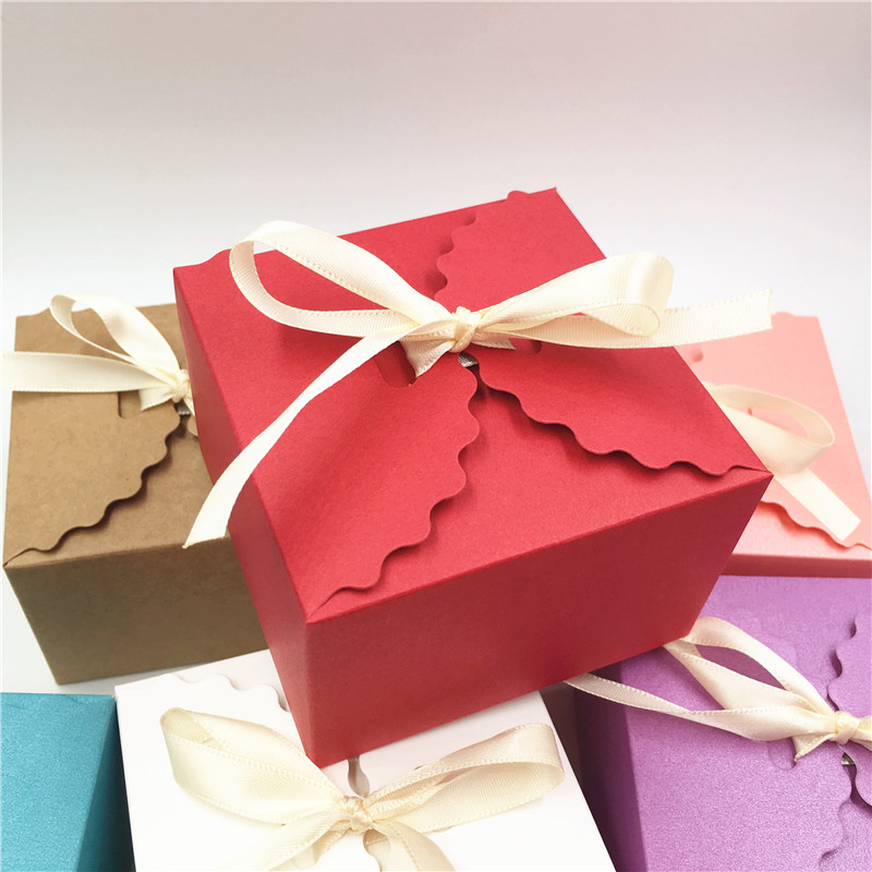 20 Pcs Vintage Retro Mini Kraft Paper Candy Box DIY Birthday Party Wedding Favor Gift Box Small Cake Box Packaging With Ribbons