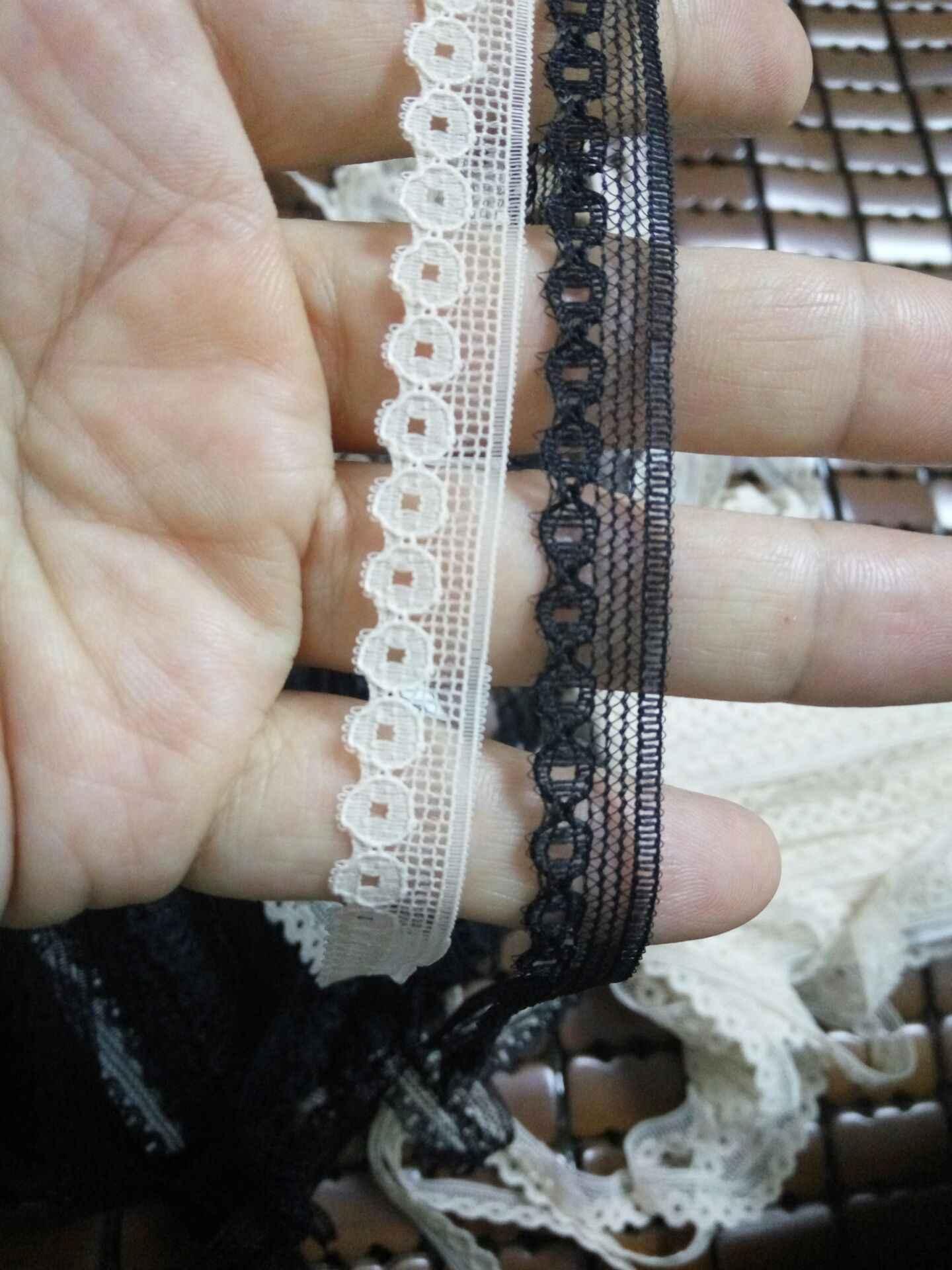 1/meter-white lace 1 cm largo
