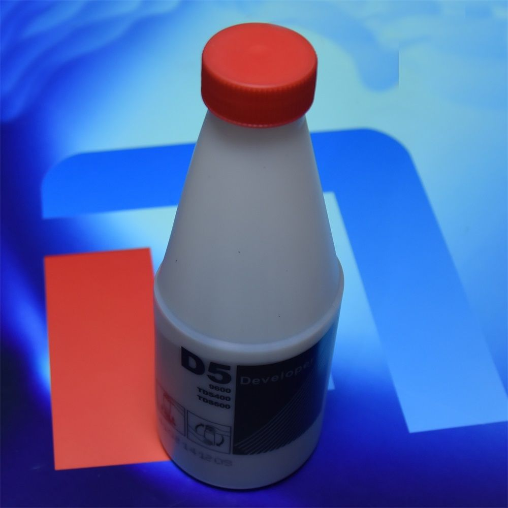 Gratis Bezorging Hoge kwaliteit compatibel D5 black Developer voor OCE D5 TDS400 450 TDS600 320 300 9600 1650g per fles