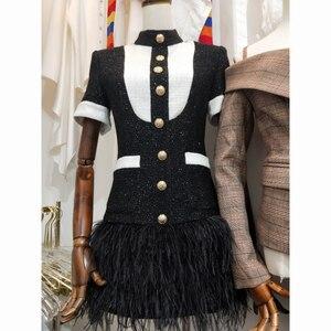 Image 4 - HIGH STREET 2020 Più Nuovo Vestito Alla Moda Bottoni del Blocchetto di Colore del Metallo delle Donne Della Piuma Vestito Decorato