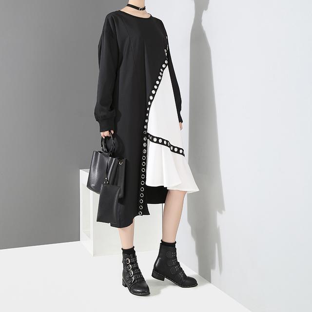 2018 Women Autumn Hit Color Design Black White Patchwork Asymmetrical Dress Metal Holes Long Sleeve Midi Party Dress Style 3845