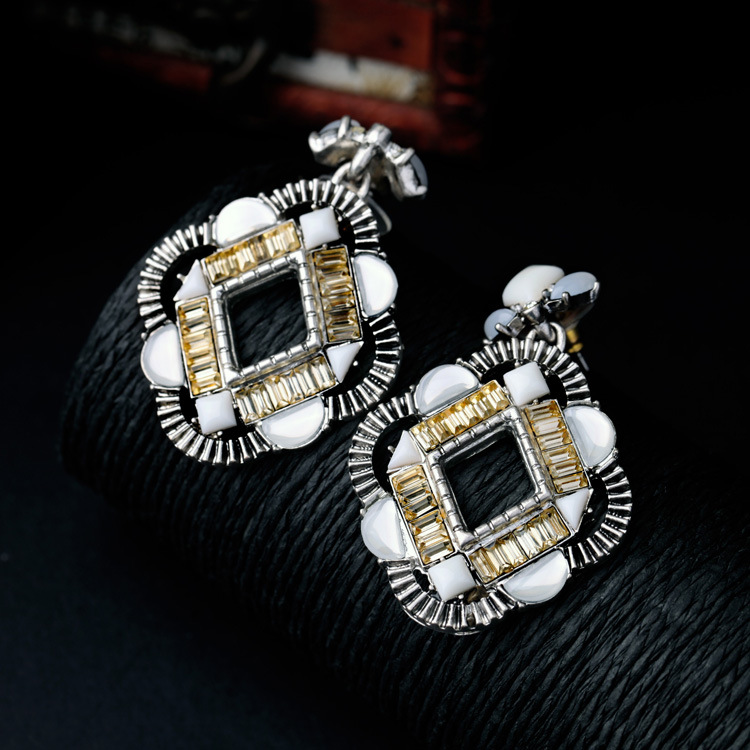 Online Get Cheap Chandelier Earrings Costume Jewelry Aliexpress – Cheap Chandelier Earrings