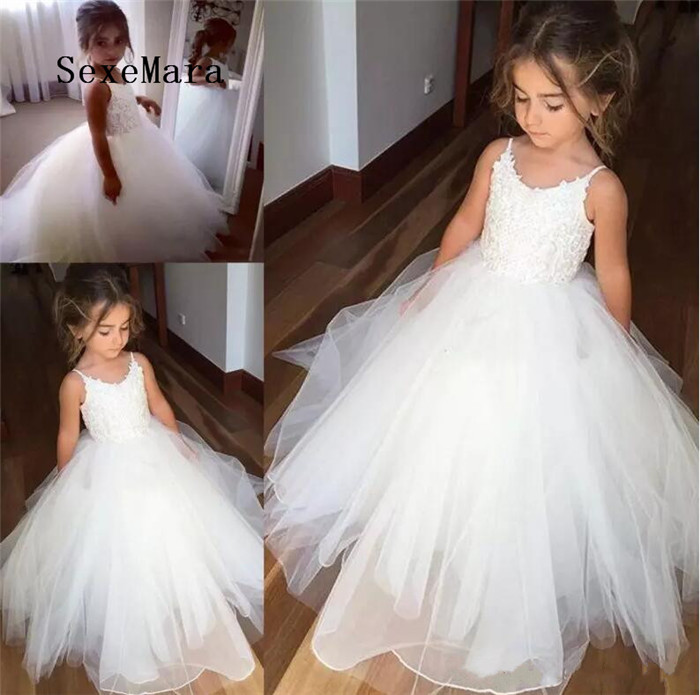 Spaghetti Lace And Tulle Flower Girl Dresses For Wedding White Ball Gown Princess Girls Pageant Gowns Children Communion Dress 2018 princess white flower girl dresses for wedding ball gown sweep train girls pageant dresses lace tulle for wedding party