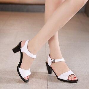 Image 3 - GKTINOO جديد المفتوحة تو صنادل جلد طبيعي النساء أحذية عالية الكعب الصنادل الأنيقة أزياء أحذية غير رسمية النساء الصنادل حجم كبير