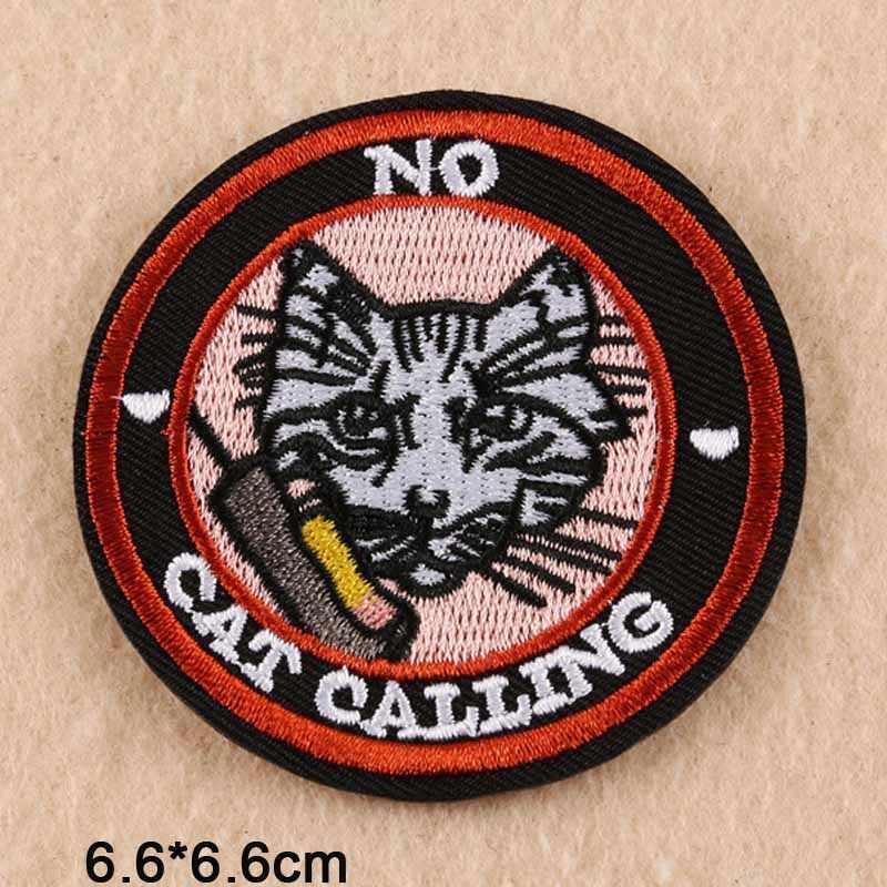 Was auch immer Katze Buchstaben Eisen auf Bestickt Tuch Patch Für Mädchen Frau Kleidung Aufkleber Bekleidung Bekleidungs Zubehör Großhandel