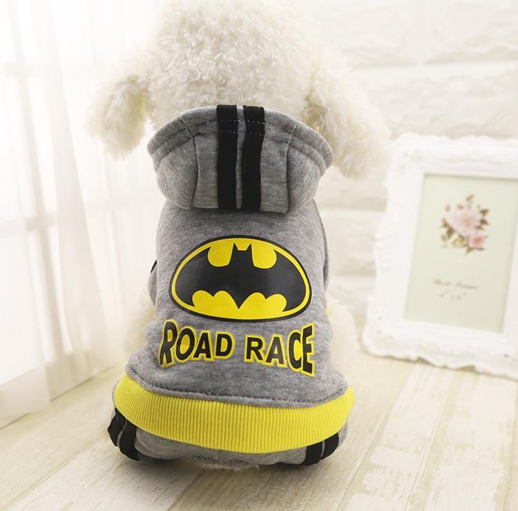 Нови костюми с качулка Костюми за кучета Зимни топли 4 крака Батман козина палто палто гащеризон Puppy Cat облекло XS-XXL сиво