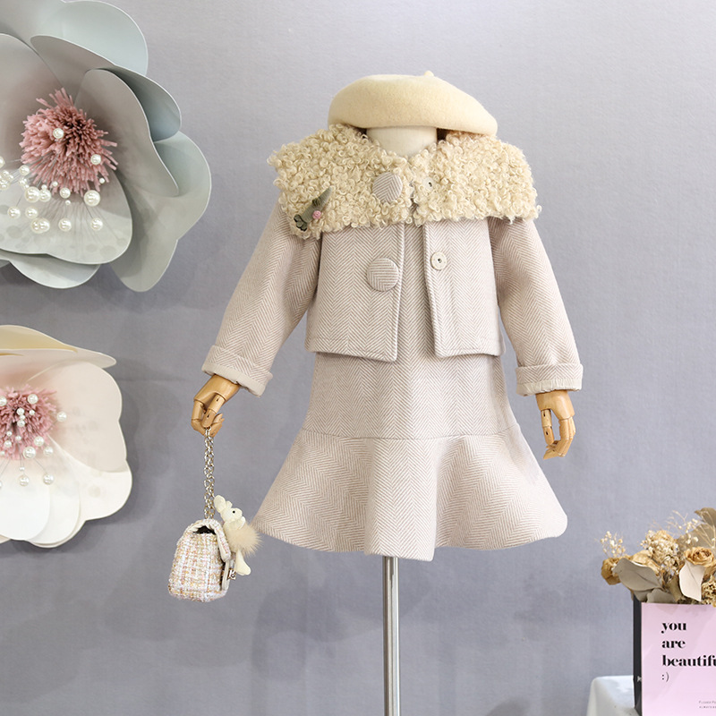 Ladies' clothes set 2018 Korean model of autumn and winter garments feminine child sheep roll wool coat vest costume candy two-piece Clothes Units, Low-cost Clothes Units, Ladies' clothes set...