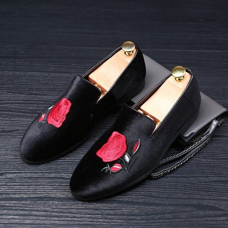2018 spring and autumn new handmade luxury embroidered men's velvet men's shoes
