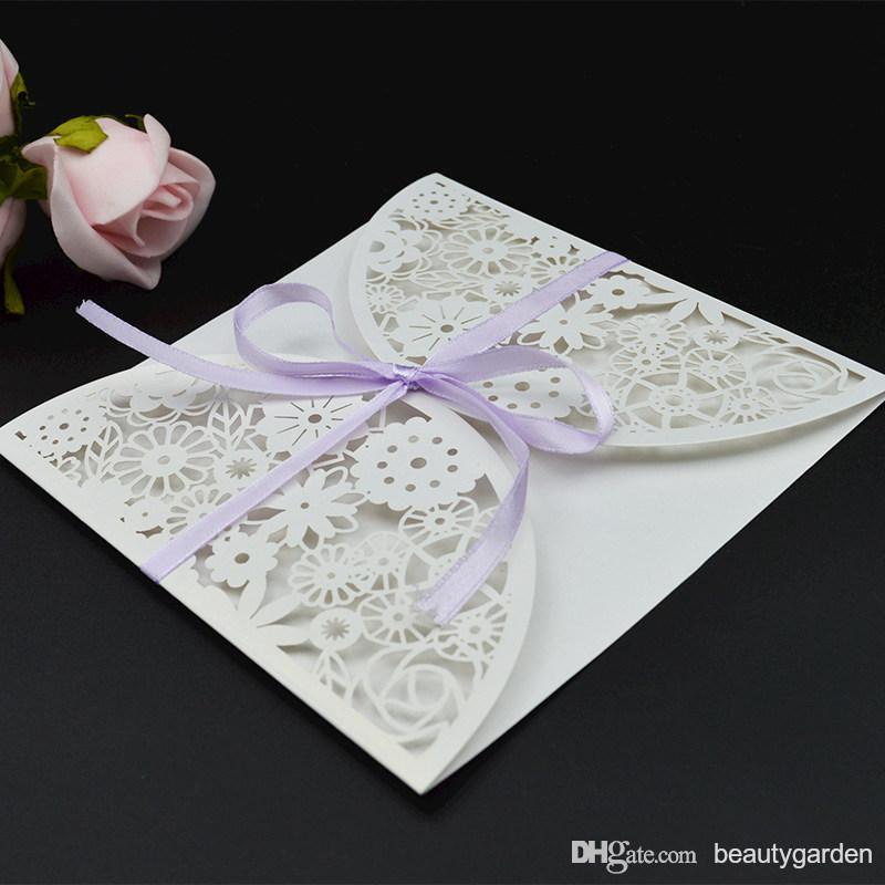 50 pcs/lot Fête De Mariage Carte D'invitation Enveloppe Creux Fleur Conception Papier Lettre D'invitation Avec Bowknot wd906