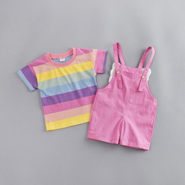 модная одежда для маленьких девочек футболка в цветную полоску фотография