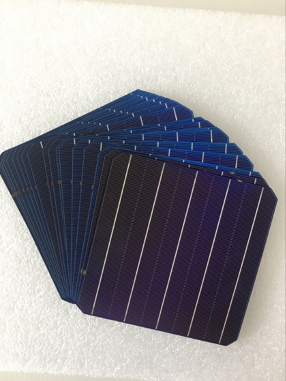 100Pcs 5W 0.5V 20.6% Effciency Grade A 156 * 156MM Photovoltaic Mono Monocrystalline Silicon Solar Cell 6x6 For Solar Panel image