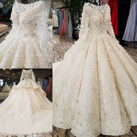 Bride Church Ball Gowns Luxury Lace Embroidery Half Sleeve Pearls Tiered Royal Gorgeous Online Vintage Wedding Dress