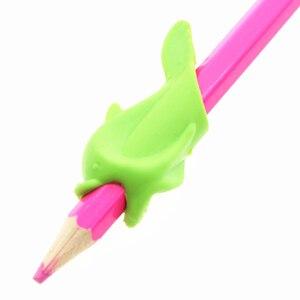 Image 5 - 500pc ergonomik kalem kalem tutacağı erkek kız evrensel el yazısı yardım aksesuar mesleki terapi çocuklar kalem kontrolü sağ silikon