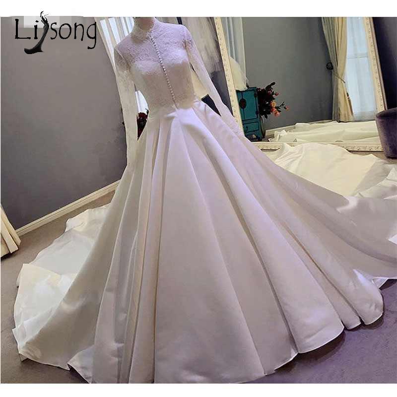 Vintage Muslim Wedding Dresses 2018 High Collar Full Sleeves Button Elegant Bridal Gowns With Royal Train