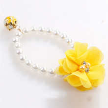 Flower Embellished Collar Necklace