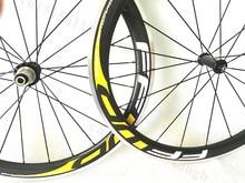 700C 38mm 50mm 60mm 90mm Camino de La Bicicleta Wheelset Del Remachador Ruedas de Bicicleta de Carbono de 50mm Clincher Aleación Superficie de freno hubs Cerámicos