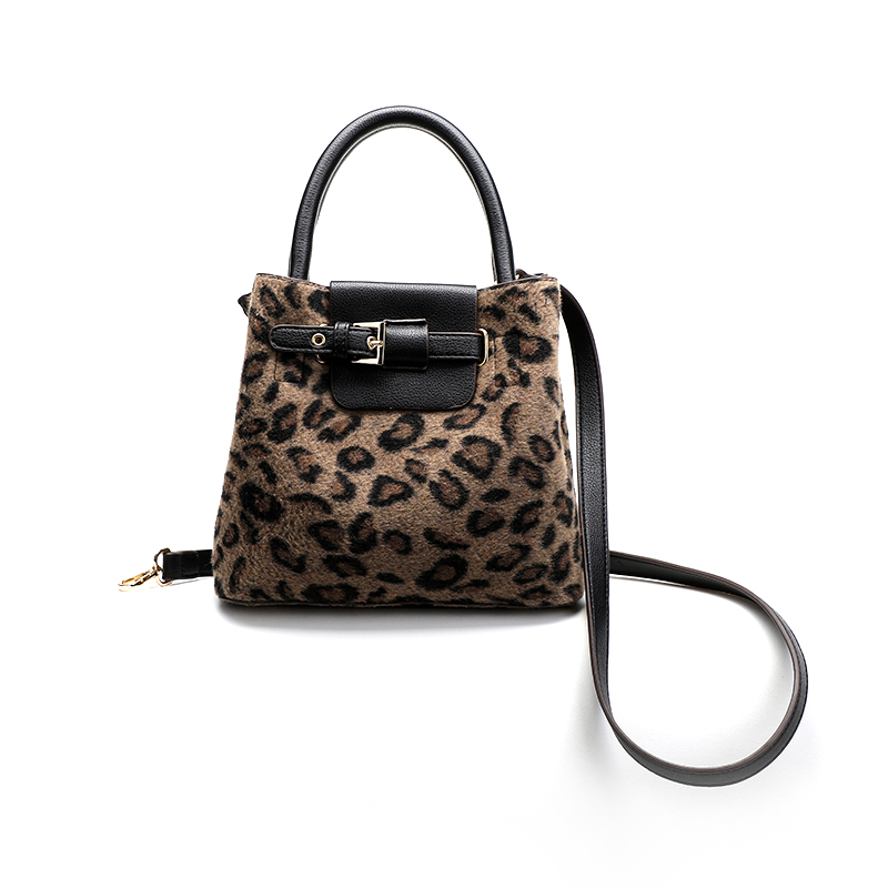 Leopard women's handbag 2018 new fashion retro wild Messenger shoulder lock bag simple bucket bag designer gift sac stylish and simple bucket bag wild shoulder messenger bag