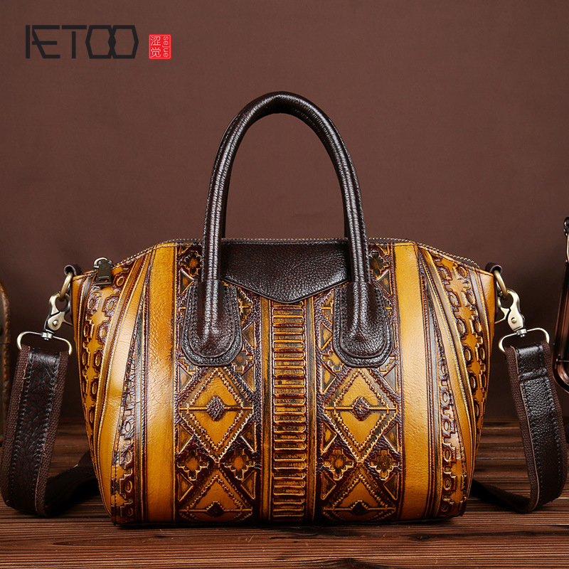AETOO The new wipe the first layer of leather cowhide leather leather retro handbags oblique cross package casual postman packag aetoo new first layer of leather men s shoulder bag leather male package cross section oblique cross bag japanese and korean ver