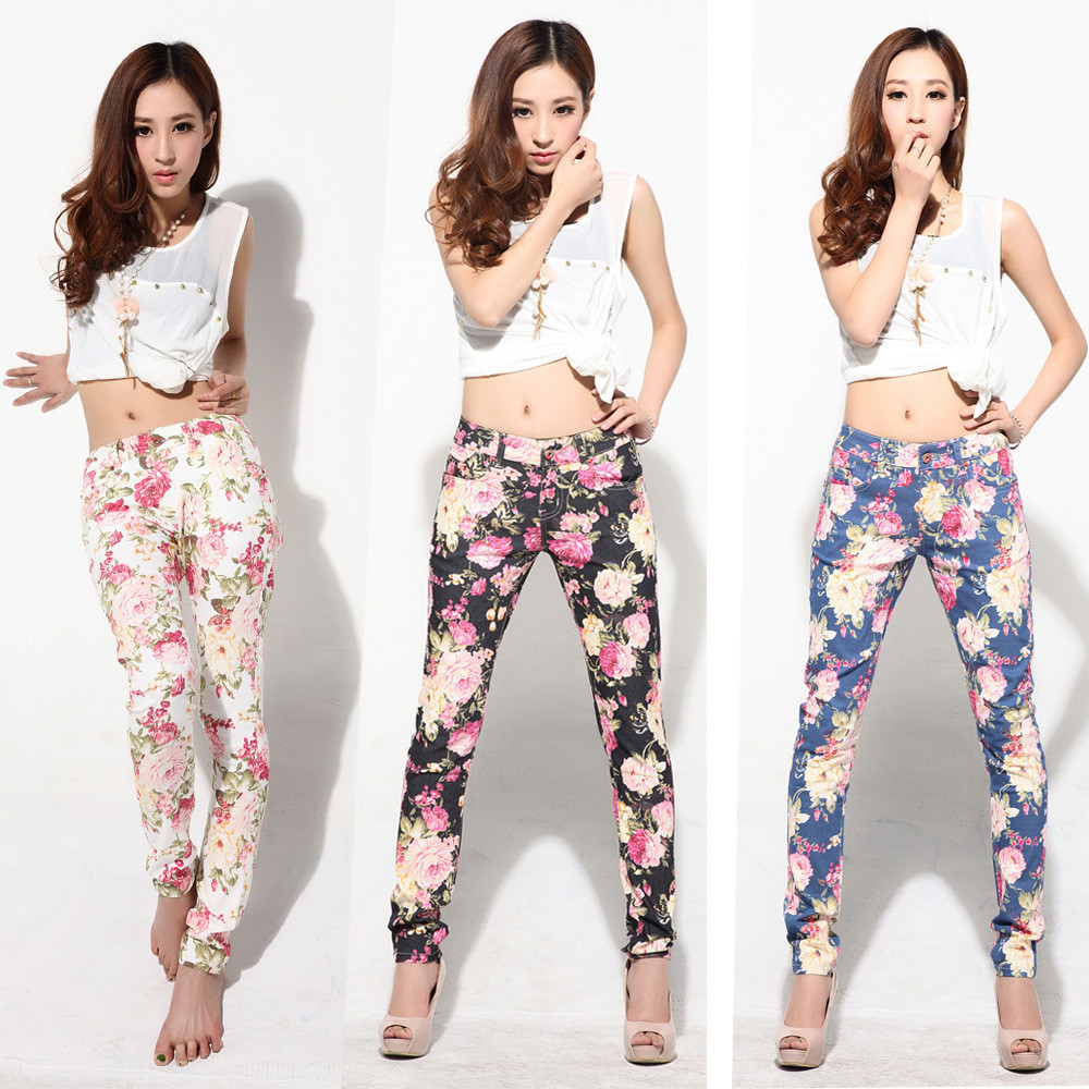 White and black floral skinny jeans rare photo