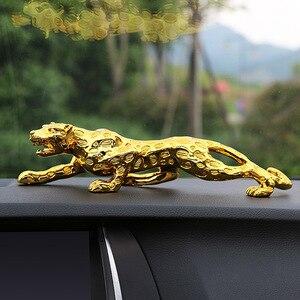 Image 2 - Araba süsleri leopar heykelcik serin oto dekor otomobiller İç Dashboard reçine el sanatları ev dekorasyon aksesuarları hediye