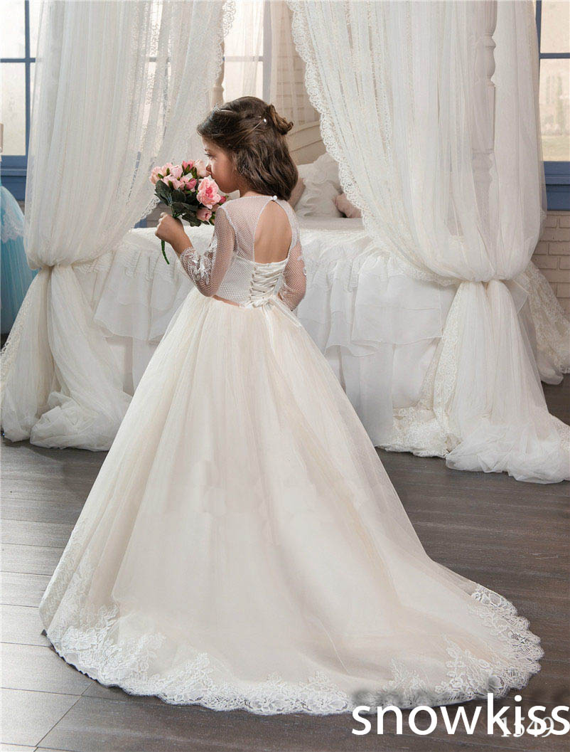 2018 Ivory/white flower girl dress for beach wedding with lace appliques open back beautiful first communion dresses with train new hot pretty ivory or white appliques tulle beads sash flower girl dresses with train white girls first communion dresses