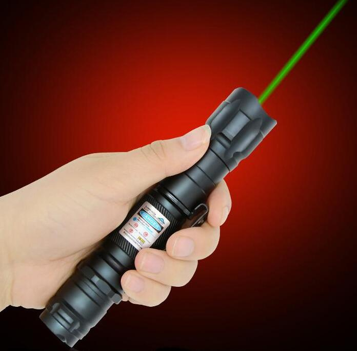 Wholesale Strong Green Laser Pointers Pen 532nm 500000m high Power Clip Lazer pen with star cap Visiable Beam Burn Match+box