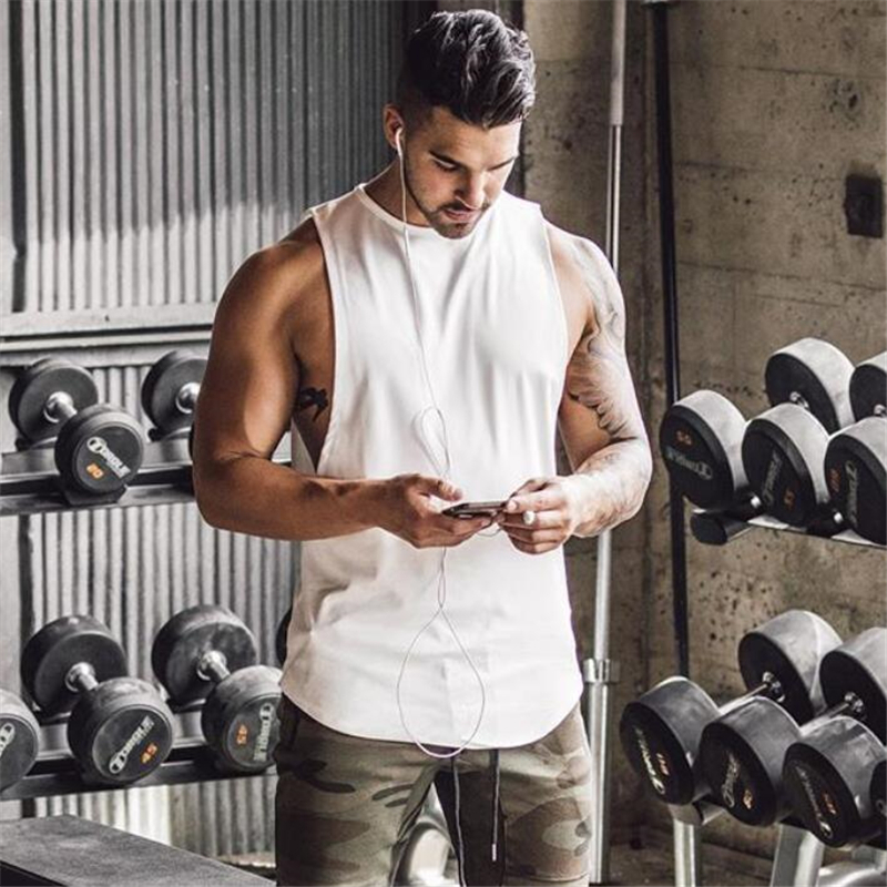 Marca Academias Stringer Musculação Roupas Top Homens Tanque de Fitness  Muscle Vest Undershirt Singlet Mangas Camisa c65a46d628f