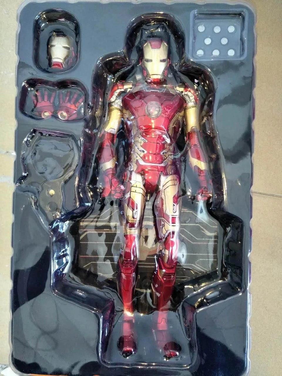HC Iron Man Mark MK 42 RED x GOLD PVC Action Figure Collectible Model Toy with LED Light 28cm super hero iron man 3 mark 42 tony stark set cute 10cm pvc action figure collection model toy 349 free shipping 324