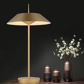ตารางโมเดิร์นสำหรับห้องนั่งเล่นร่วมสมัยโคมไฟข้างเตียง lampara de Mesa ชุบโลหะตารางโคมไฟออกแบบ choice
