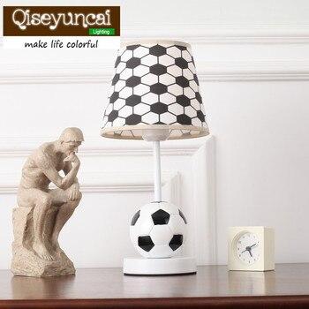 Qiseyuncai 2018 Neue Fußball, Kinderzimmer, Schreibtischlampe, Cartoon Persönlichkeit Dekoration, Jungen Zimmer, Schlafzimmer, Nachttischlampe.