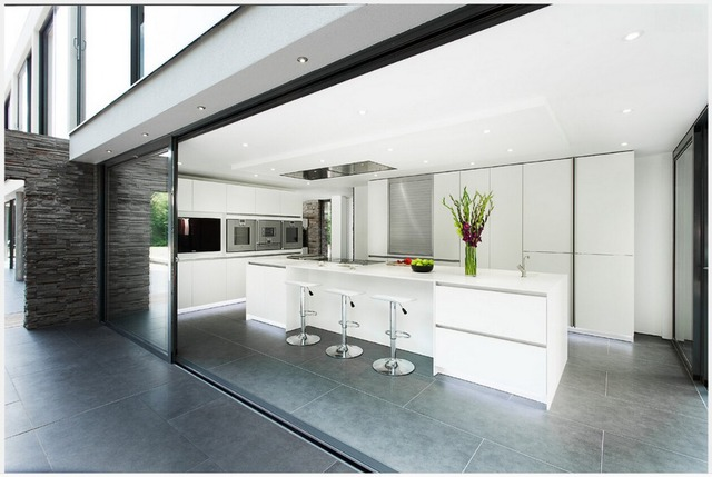 2017 New Design Modern Modular Kitchen Cabinet Customizes White Kitchen  Furniture 2pac Kitchen Door