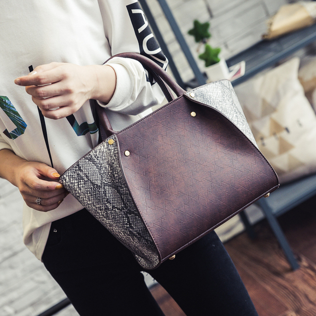 543d9a609663 New Retro Hit Color Tote Bag Fashion Trend Snakeskin Pattern Handbag Wings Shoulder  Bag Women Crossbody Bag